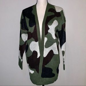 Sweaters - Camouflage Open Cardigan in Medium